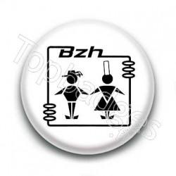 Badge Bzh Avec Personnages Sur Fond Blanc