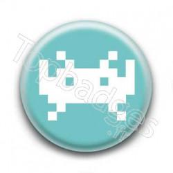 Badge Invader Pixel Bleu Clair