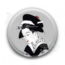 Badge Peinture d'une Geisha Gris