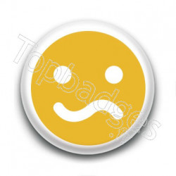 Badge Smiley Peu Satisfait