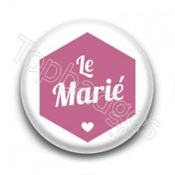 Badge : Hexagone rose, Le Marié