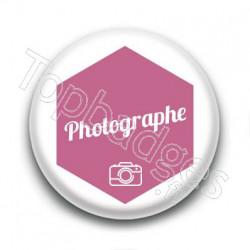 Badge : Hexagone rose, Photographe