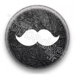 Badge moustache fond cuir