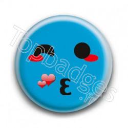 Badge : Smiley bisous bleu