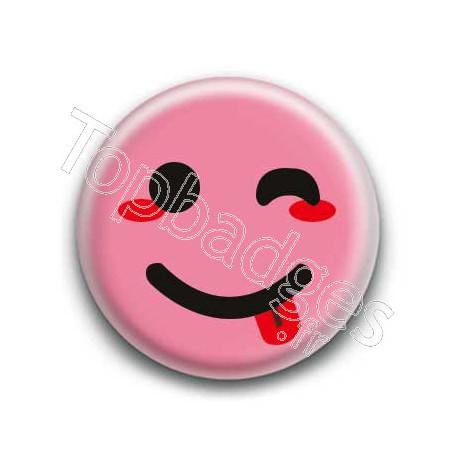 Badge : Smiley clin d'oeil rose