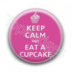 Badge Keep Calm And Eat a Cupcake