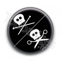 Badge Tête De Mort Clous Et Ciseaux
