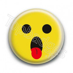 Badge Smiley Tirant La Langue Jaune